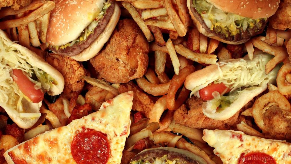 "Eating a ""Western"" diet can increase risk of mental illness in teenagers"