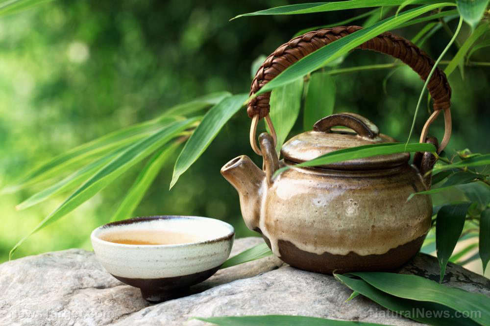 Black ginseng tea offers plenty of benefits and helps lower blood sugar levels