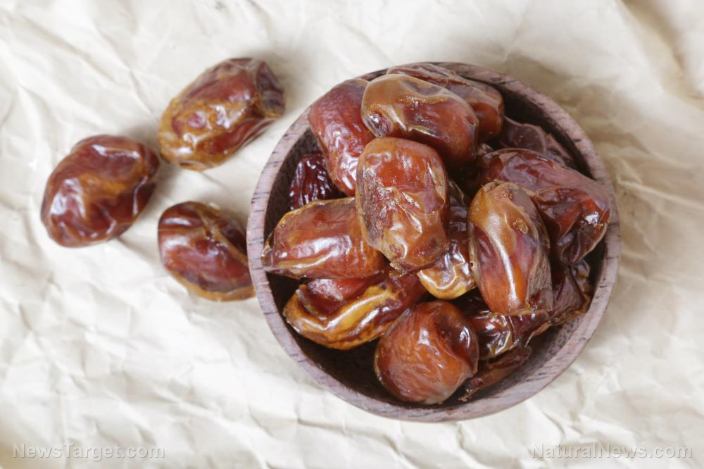5 Promising health benefits of dates and their nutrition facts (recipes included)